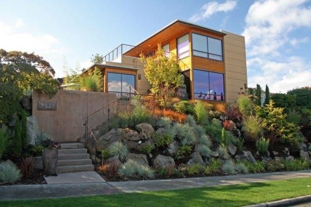Amazing Front Yard Design