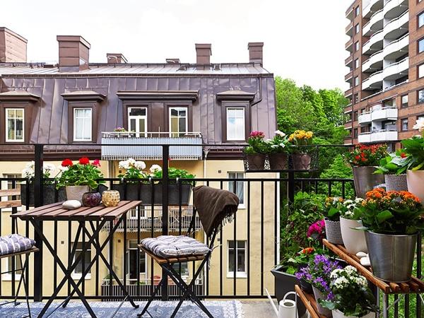 Latest Balcony Garden Idea