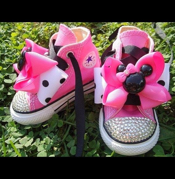 Save Minnie Mouse Shoes Design