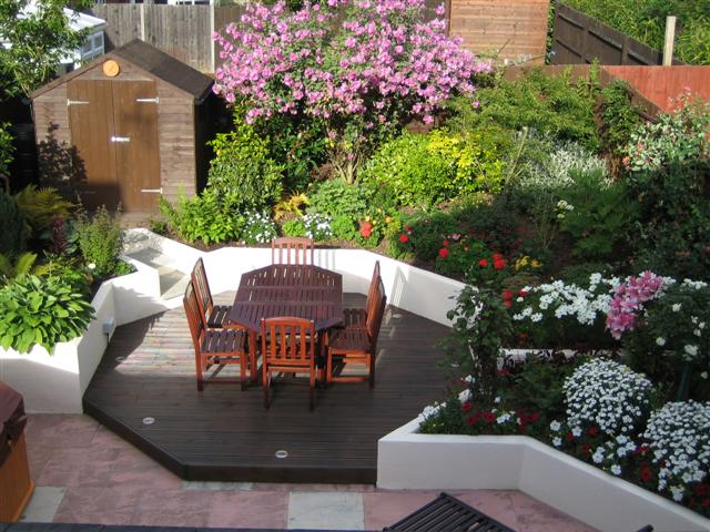Simple Garden Landscaping Idea
