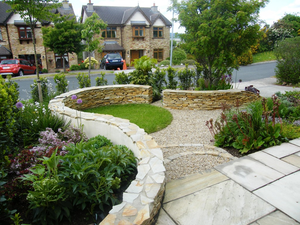 Unique Front Garden Design