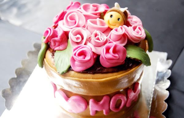 Mothers Day Flower Cake