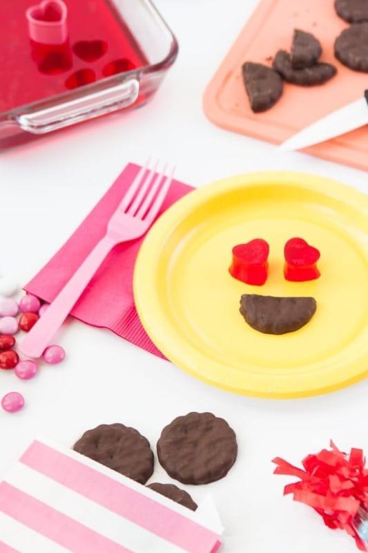 Valentine's Day Emoji Cards 2018