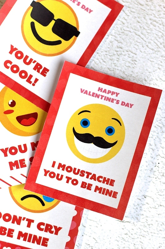 Valentine's Day Emoji Cards